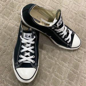 Men Converse shoes size 11